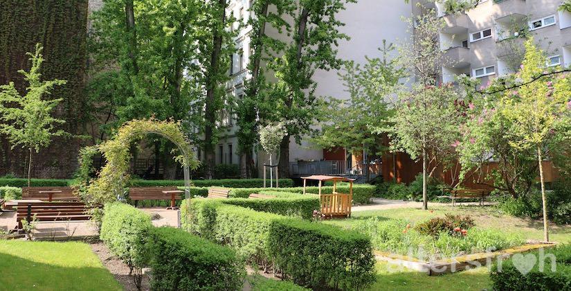 Garten hinter dem Agaplesion Bethanien Haus Bethesda in Berlin Kreuzberg