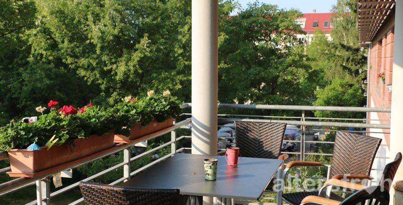 Balkon des Hauses 32 der Seniorenstiftung Prenzlauer Berg in Berlin