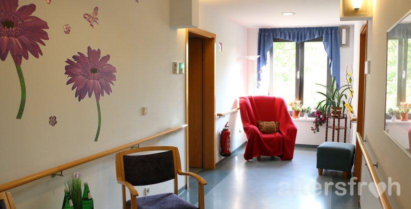 Sitzgelegenheit im Haus 32 der Seniorenstiftung Prenzlauer Berg in Berlin