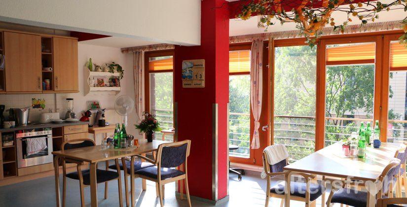 Wohnküche im Haus 32 der Seniorenstiftung Prenzlauer Berg in Berlin