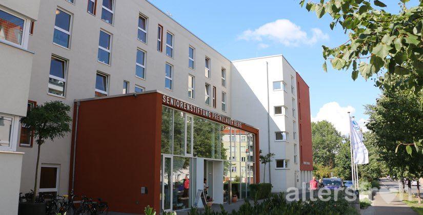 Eingangsbereich des Hauses 33 der Seniorenstiftung Prenzlauer Berg in Berlin
