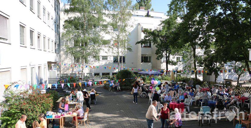 Sommerfest, Brunnenhof Seniorenresidenzen Haus Steglitz in Berlin