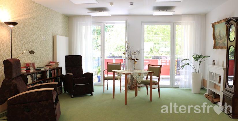Blick in einen Wohnbereich des DSG Pflegewohnstifts Waldstadt in Potsdam