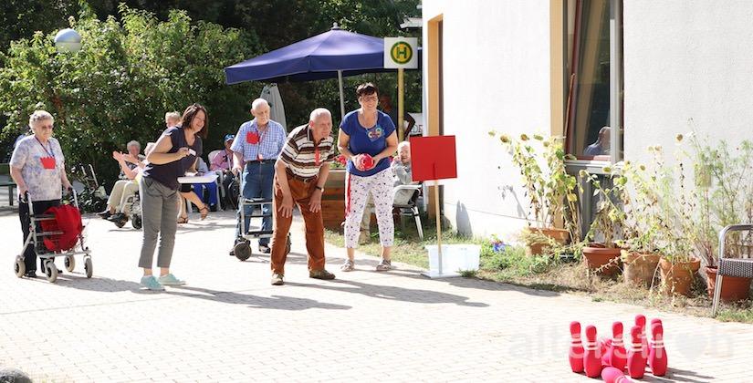 Sommerolympiade im Diakonischen Pflegewohnheim Schillerpark in Berlin Wedding