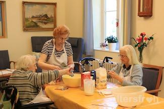 Backgruppe im Pflegewohnheim des EGZB