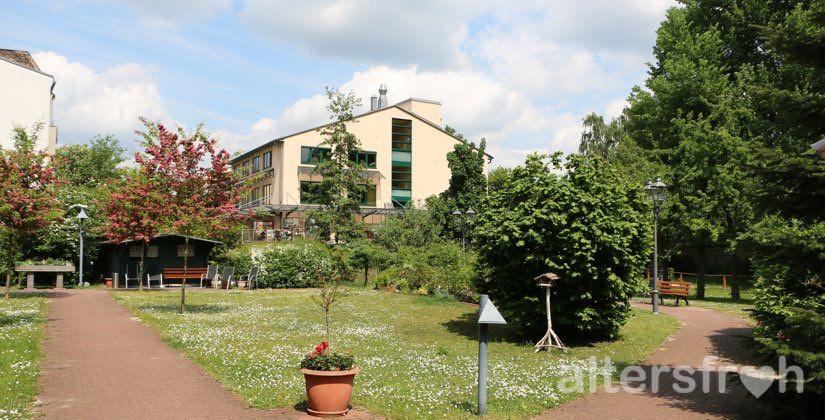 Garten hinter der Seniorenresidenz Haus Pankow in Berlin