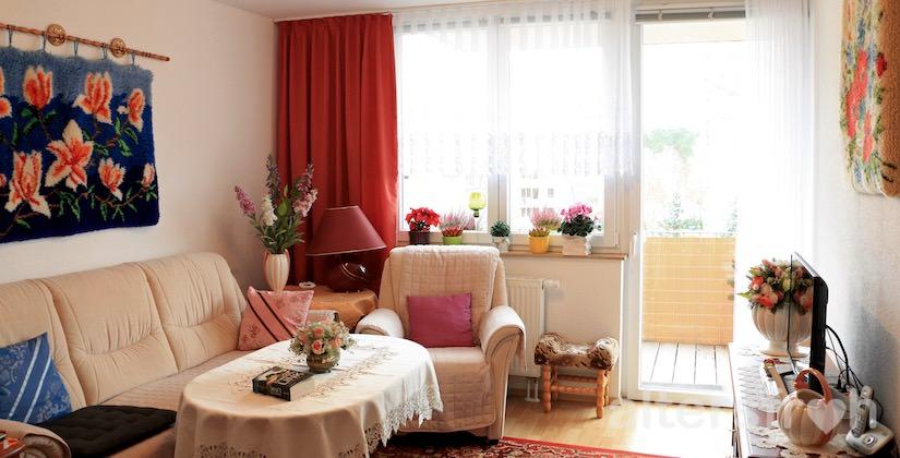 Blick in ein Wohnzimmer des Service Wohnens Waldstadt in Potsdam