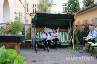 Garten der Tagespflege im Seniorenzentrum Haus am Park in Berlin Pankow
