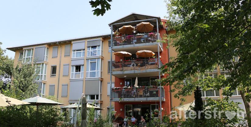 Blick auf das Vitanas Senioren Centrum Am Obersee in Berlin Hohenschönhausen